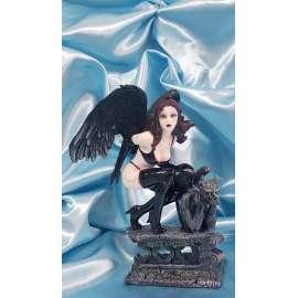 RAVEN-ANGEL CAIDO